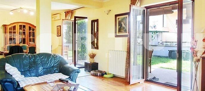 Croazia rovigno rovinj appartamento con tre camere for Camere croazia