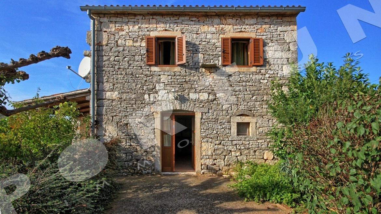Tre case in pietra vicino a valle d 39 istria bale croazia for 3 case in pietra