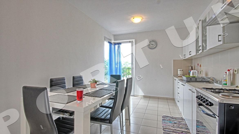 luminoso e arioso appartamento con due camere da letto al