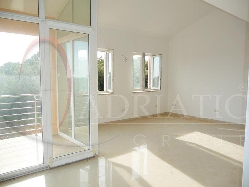 Croazia rovigno rovinj appartamento con una camera for Piani di un appartamento con una camera da letto