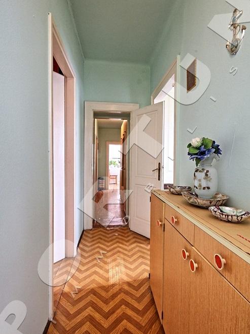 Appartamento con tre camere da letto in una ottima for Appartamento con 3 camere da letto nel seminterrato