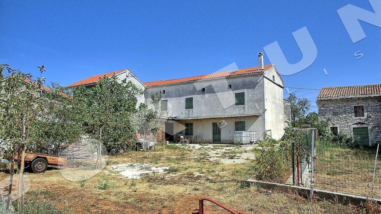 Casa in pietra vicino a barbana d 39 istria barban croazia for Piani casa del sud del cottage