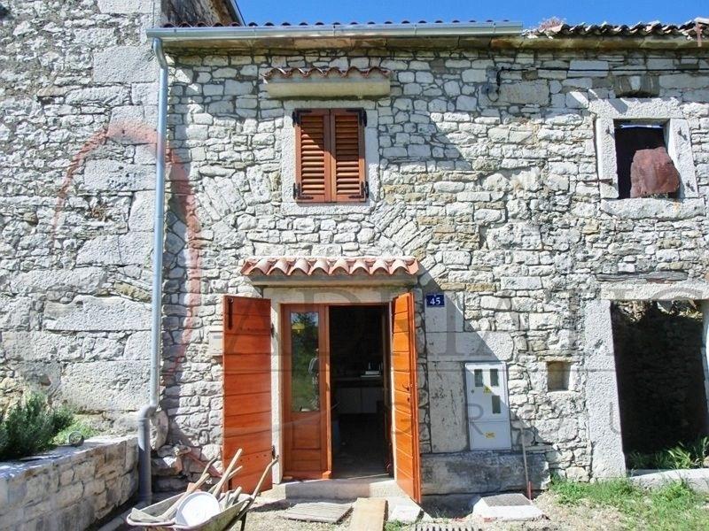 Grisignana immobiliare istria croazia case ville 44 m2 20314 for Case vecchie ristrutturate