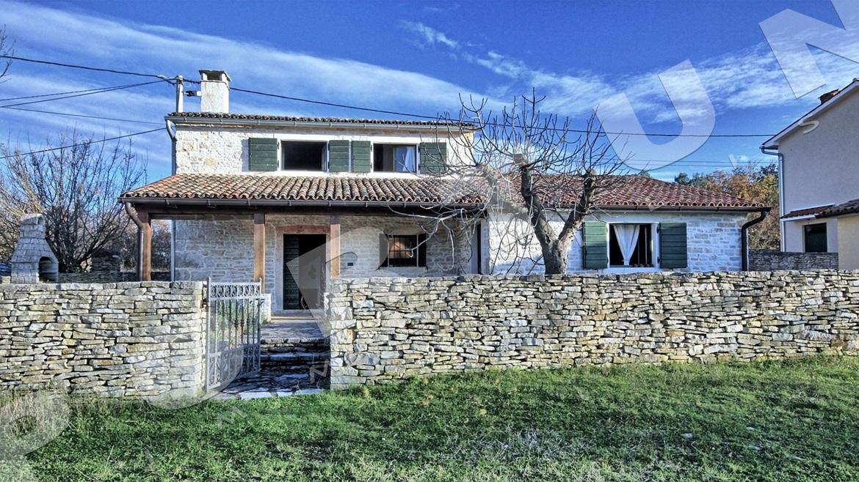 Casa in pietra vicino a canfanaro kanfanar istria for Piani sud ovest della casa con cortile