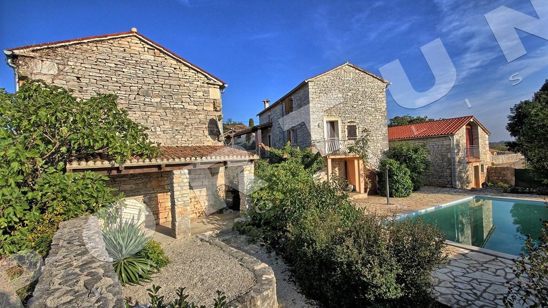 tre case in pietra vicino a valle d 39 istria bale croazia