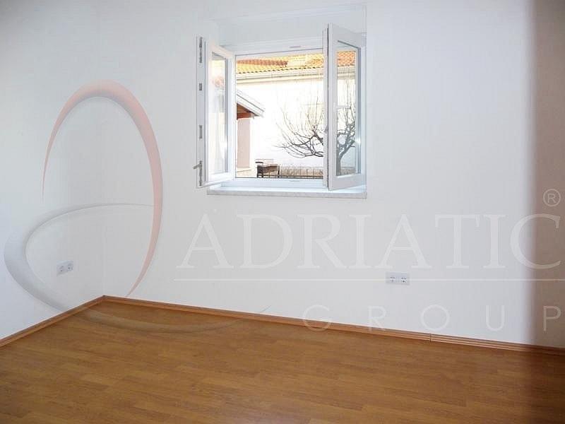 Croazia istria rovigno rovinj appartamento con una for Appartamenti con una camera da letto con garage