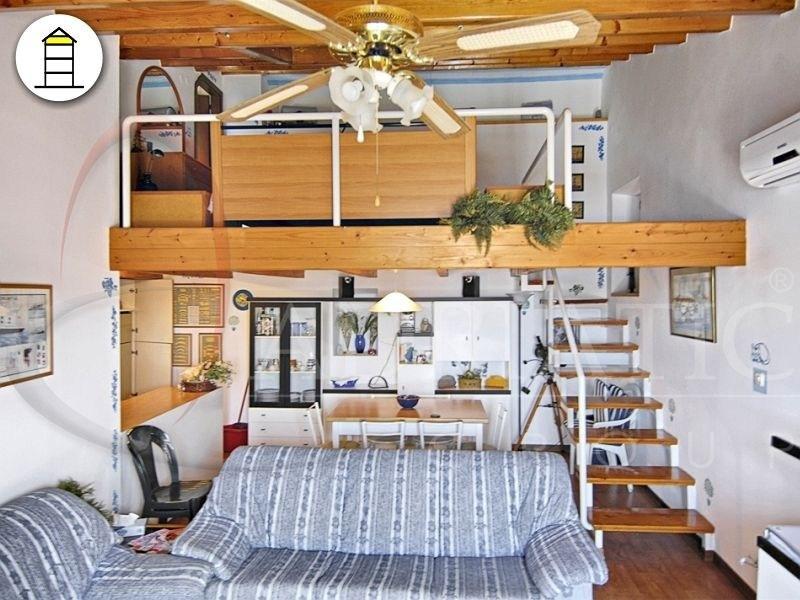 Croazia rovigno rovinj appartamento con una camera - Descrizione di una camera da letto ...