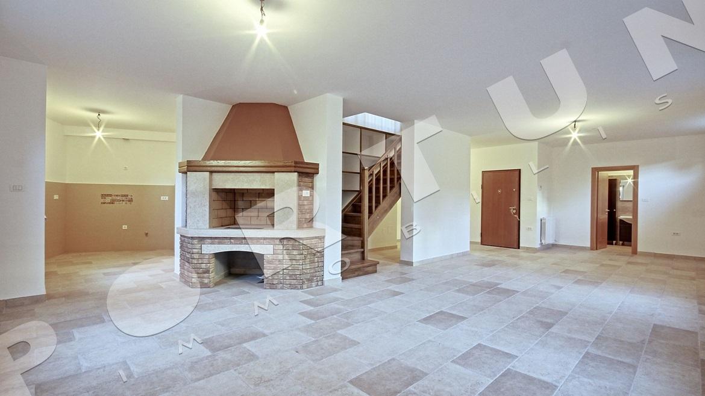 nuovo appartamento con seminterrato e giardino a rovigno