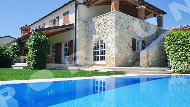 Croazia vicino a parenzo porec casa con piscina for Camere a porec