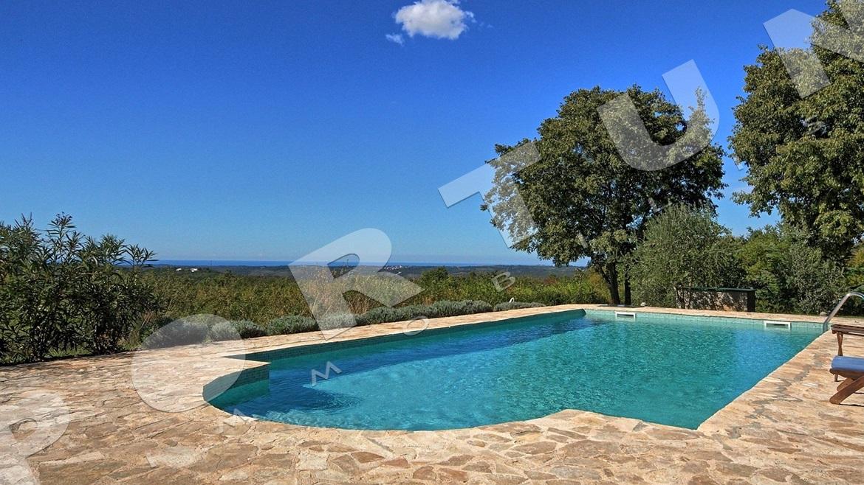 Lussuosa villa di campagna con tre camere da letto e tre - Orientamento piscina ...