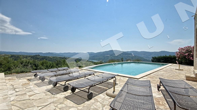 Villa di lusso vicino a montona motovun istria - Orientamento piscina ...